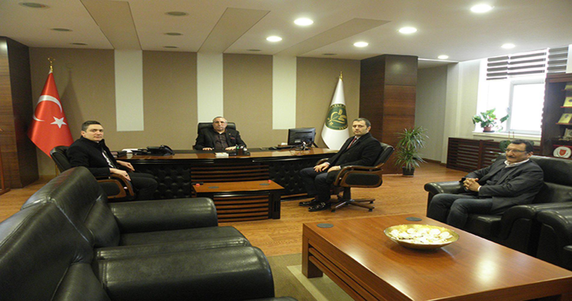 Kuveyt Türk Katılım Bankası Şube Müdürü Sn Özgür ÖZTÜRK Başkanımız Sn Yahya TOPLU'yu Makamında ziyaret etti…