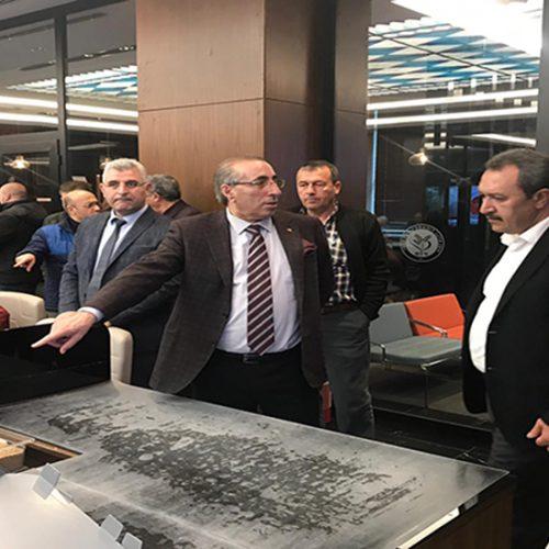 Şanlıurfa Ticaret Borsası Başkanı Sn Mehmet KAYA ve Yönetim Kurulu Üyeleri Başkanımız Sn Yahya TOPLU'yu makamında ziyaret etti…