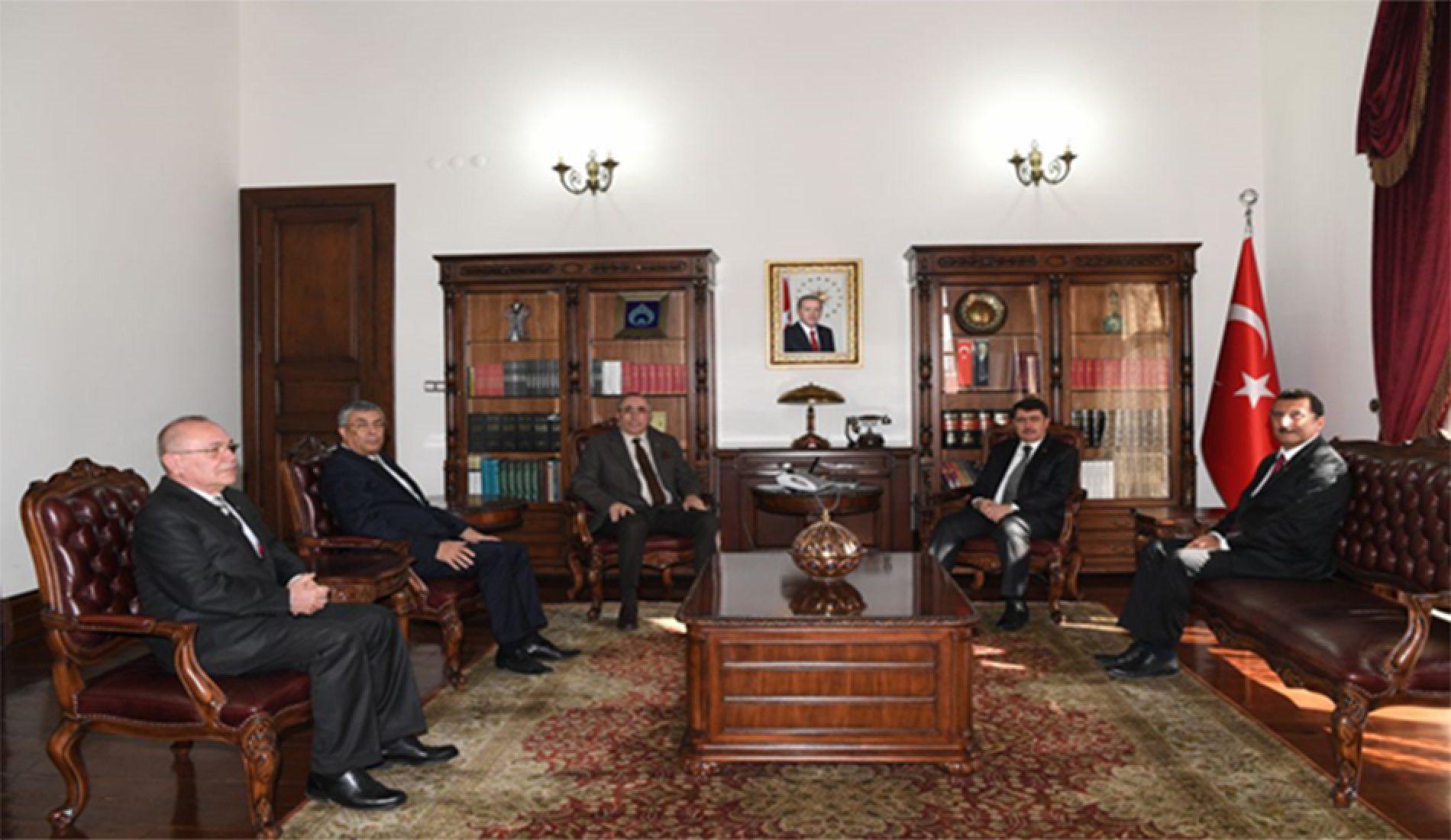 Başkanımız Sn Yahya TOPLU Ankara Valisi Sn Vasip ŞAHİN'i makamında ziyaret etti….