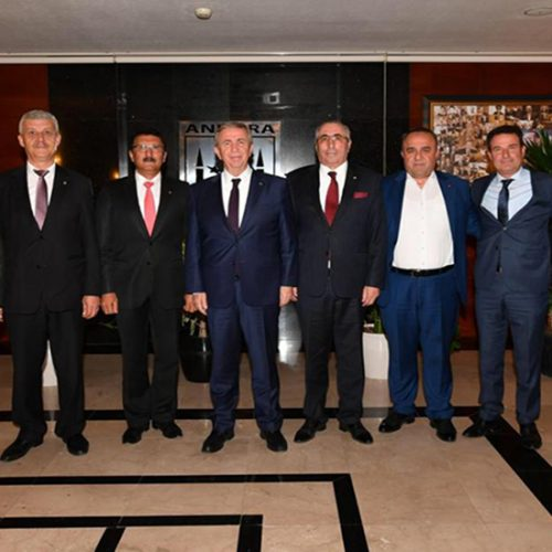 Başkanımız Sn Yahya TOPLU Ankara Büyükşehir Belediye Başkanı Sn Mansur YAVAŞ'ı makamında ziyaret etti….