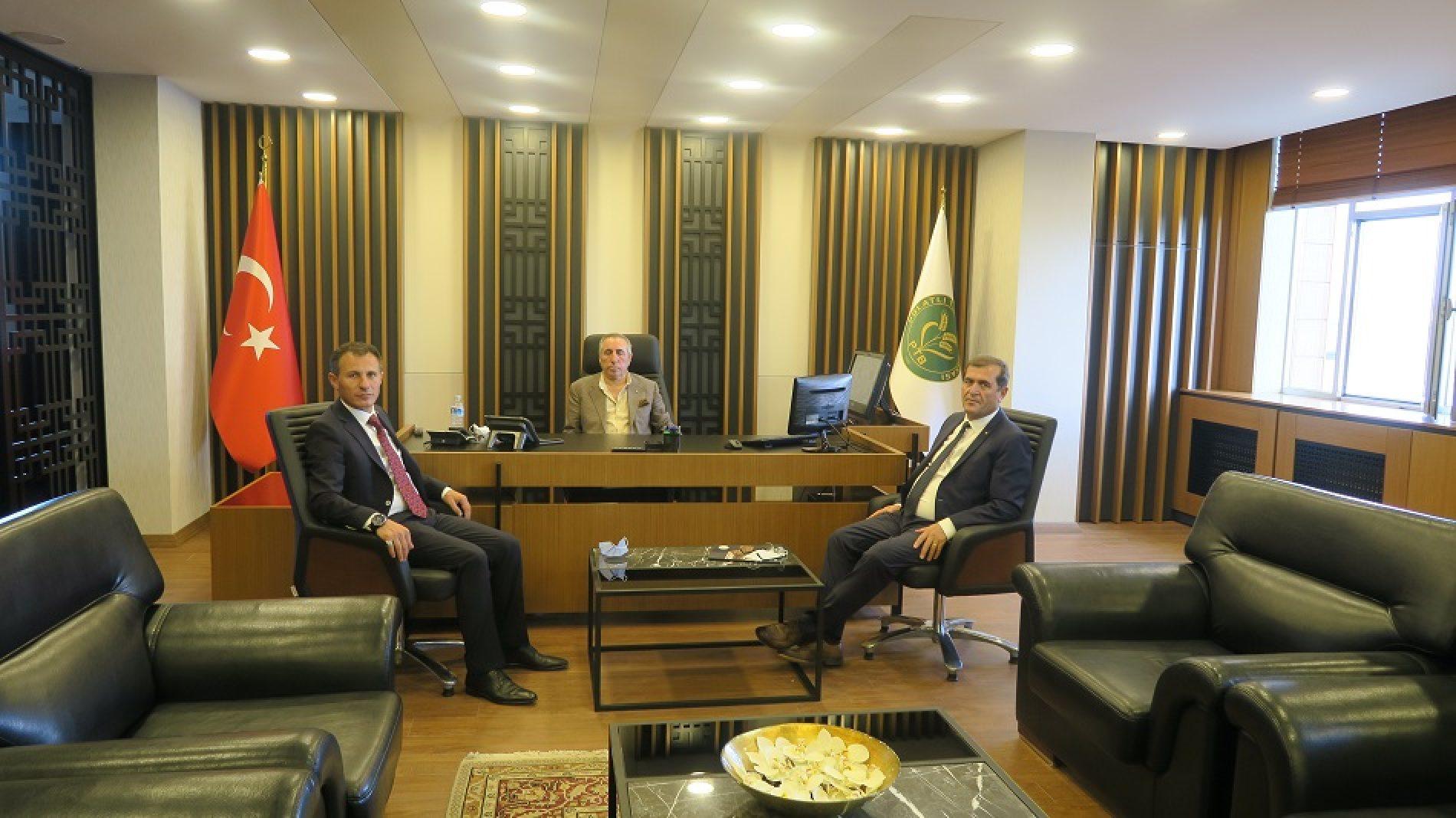 Çorum Ticaret Borsası Başkanı, Başkanımız Yahya TOPLU'yu Makamında ziyaret etti…