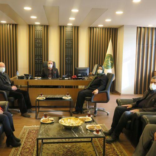AK Parti İlçe Başkanı Sn Aysel DEMİR Başkanımız Sn Yahya TOPLU'yu makamında ziyaret ettiler…